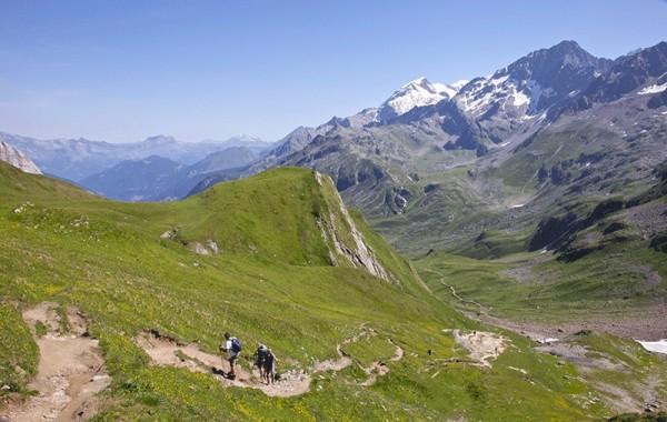 Ascending Col Du Bonhomme