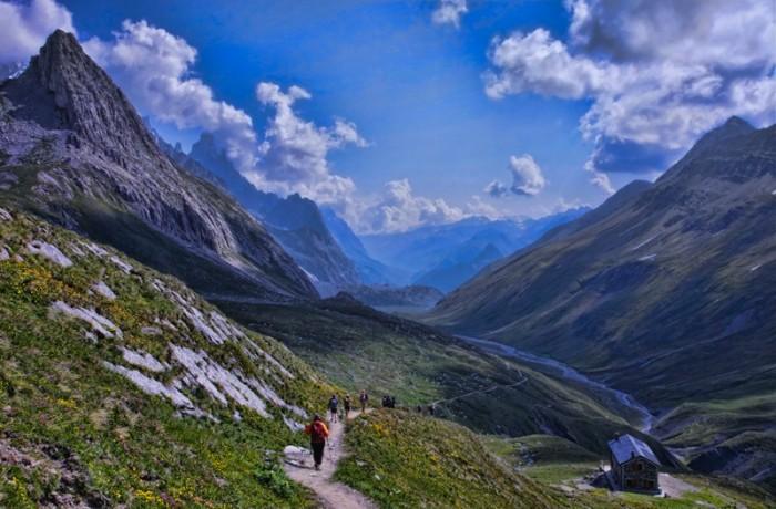 Descending from Col de Seigne